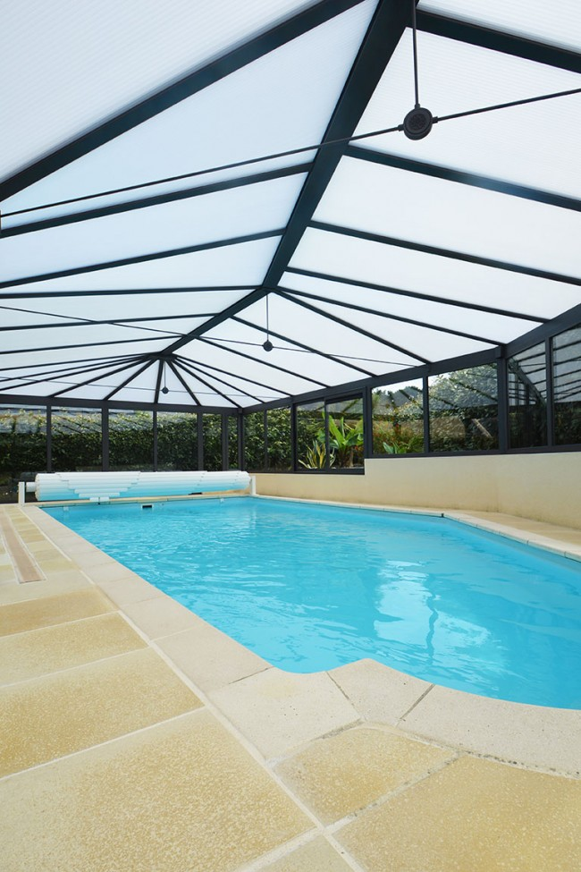 Couverture piscine et spa v randa moderne sur mesure for Couverture piscine